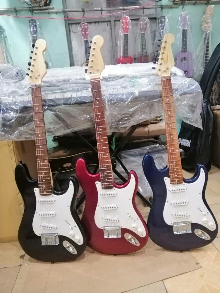 Mua đàn guitar gia rẻ Thành Phố Mới